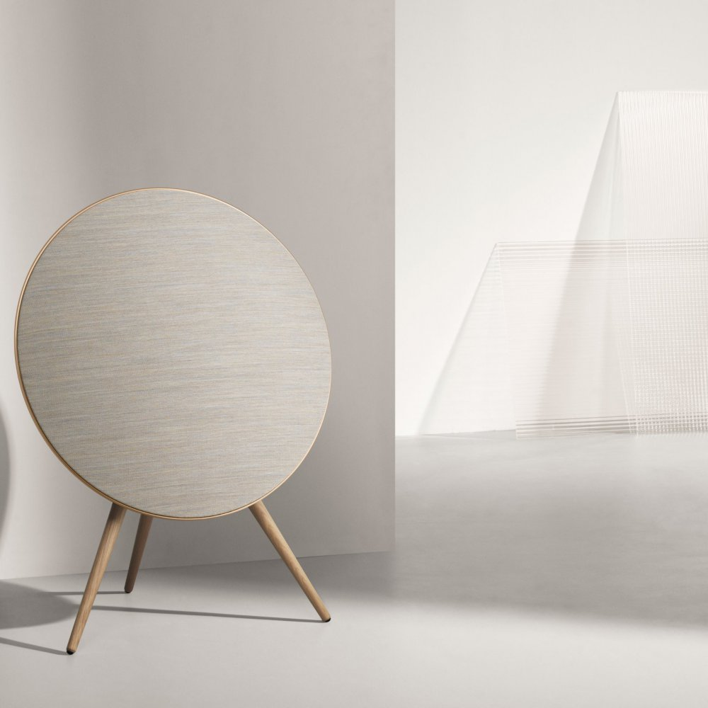 PA_Beoplay-A9-4thGen_Gold_Front.tif