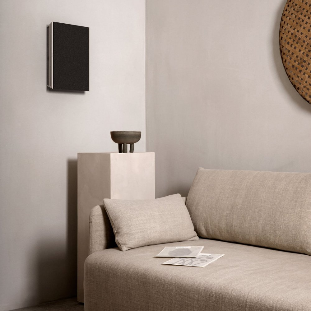 NA_Beosound-Level-Wall_Silver-Textile_01.tif